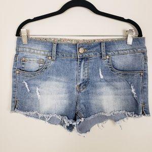Dollhouse Sienna distressed denim shorts L4